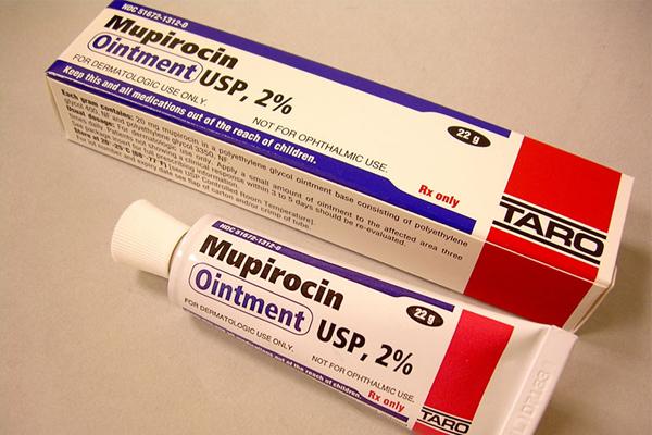 Thuốc mỡ Mupirocin